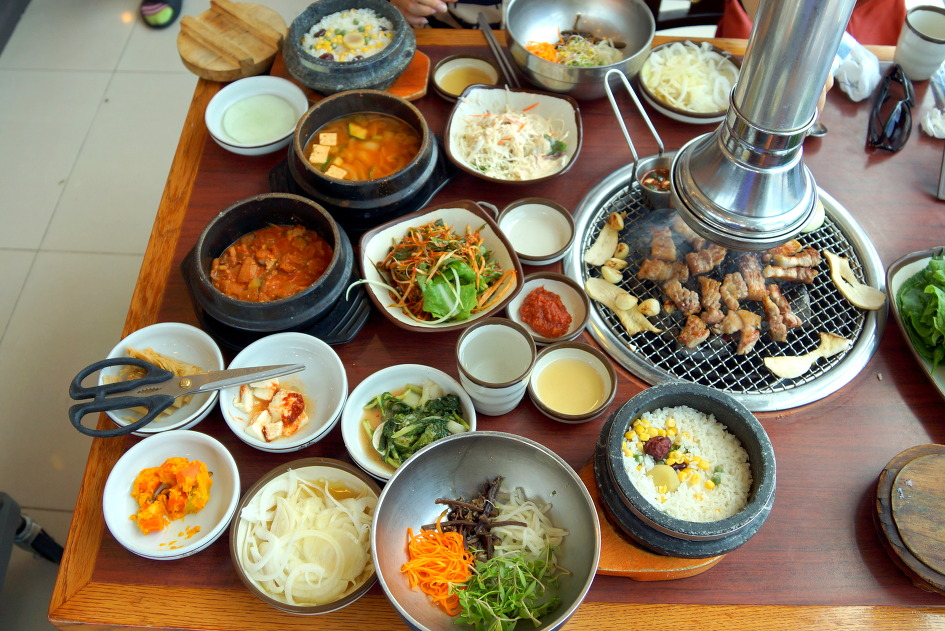 the best 8 must eat local dishes out there in south korea kimchee